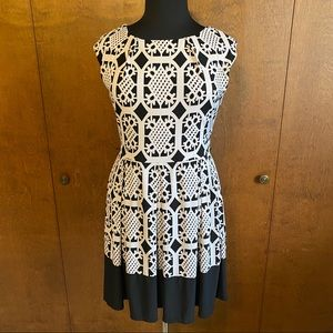 TIANA B black and white geometric cap sleeve dress
